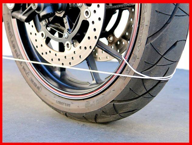 GPJVBKQUNDD3KEKIG4GWWGQTAY Verifique la alineación de las ruedas de una moto en: 10 minutos