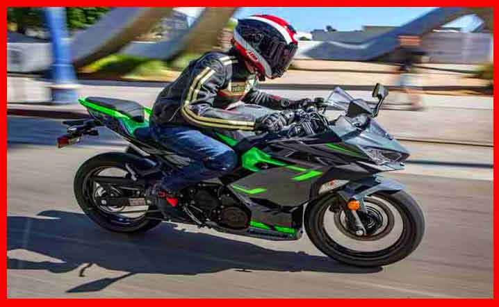 SSCZAIXIJC6RBFLUE5347EKYO4 700X525 1 MOTOCICLETAS DEPORTIVAS DE NIVEL DE ENTRADA DE KAWASAKI QUE SUPERAN SU PESO.