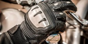 6 OF THE BEST SUMMER MOTORCYCLE GLOVES (2020 EDITION)