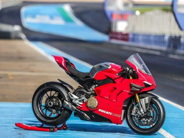 Ducati has ditched the dry clutch for most of its 2019 models, but has retained it for its race-ready motorcycle, the Ducati Panigale V4R.