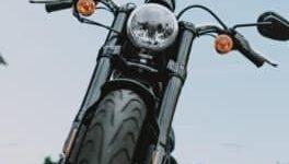 Esto es lo que causa el desgaste desigual de los neumáticos en una motocicleta