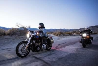 8 THINGS YOU SHOULD NOT WEAR ON A MOTORCYCLE