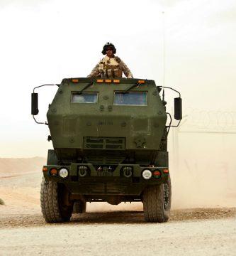 Familia de vehículos tácticos medianos (FMTV)