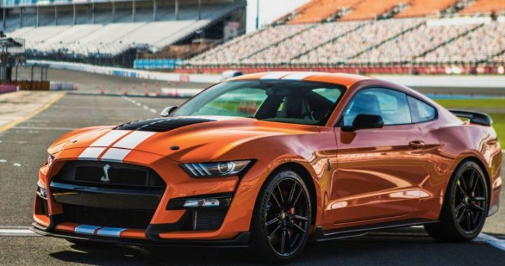 Ford Mustang Shelby GT500 Orange
