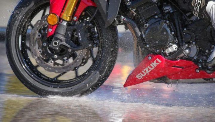 cjfv71rxp10p40hqmbk1m9mhm moto edito road 5 workshops wet braking sevilla 02 tyres.full scaled