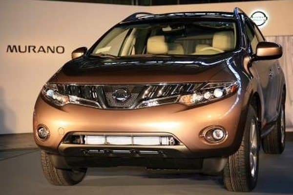 What is the difference between SE and Sl on the Nissan Murano?