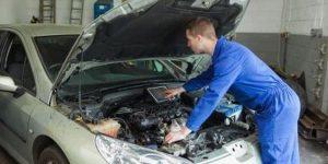 ¿Qué sucede cuando se funde el motor de un automóvil?