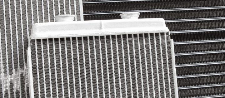 ¿Es seguro conducir con un radiador roto?