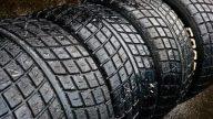 Cómo borrar las paredes laterales agrietadas de los neumáticos
