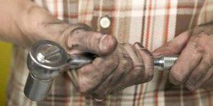 Cómo reemplazar el motor de arranque en una Honda Odyssey 2005
