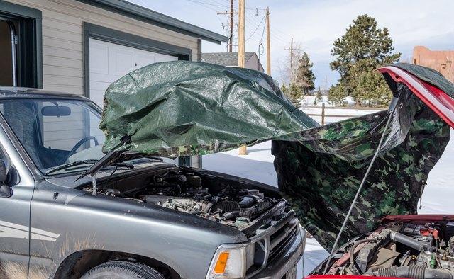1604999433226 Cómo cargar la batería de un automóvil cuando llueve