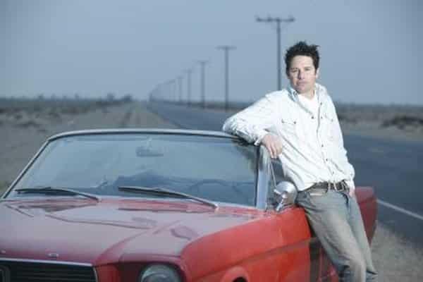 Cómo bajar el techo de un Mustang convertible