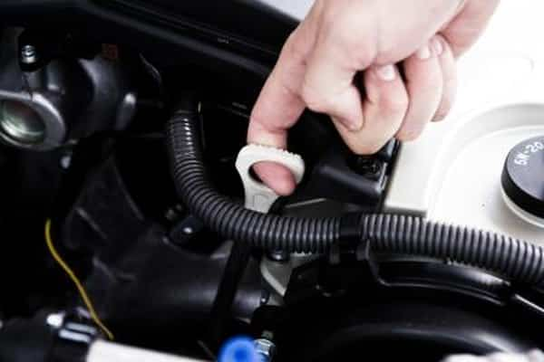 How to Check the Transmission Fluid Level in a Ford Van