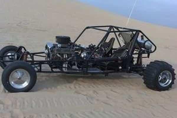 Cómo construir un buggy de riel de motor delantero