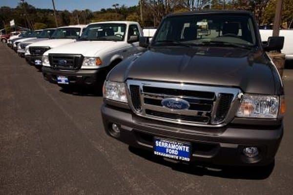 Cómo reemplazar una luz de techo Ford Ranger