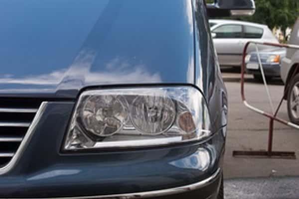 Cómo reparar la manija del lado del conductor de una Toyota Sienna