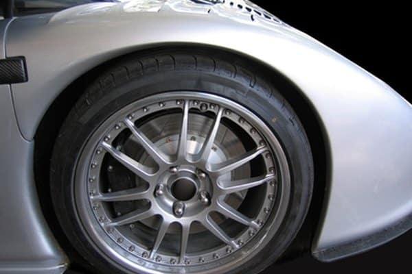 Yellow Porsche brakes vs.  Red brakes
