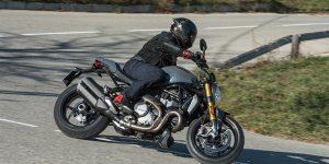 Mann analiza la Ducati Monster 1200 S