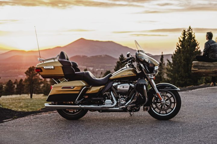2017 Harley Ultra Limited with Milwaukee-Eight 107