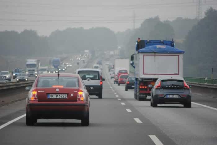 Un disco de embrague desgastado puede reducir la velocidad en el tráfico.