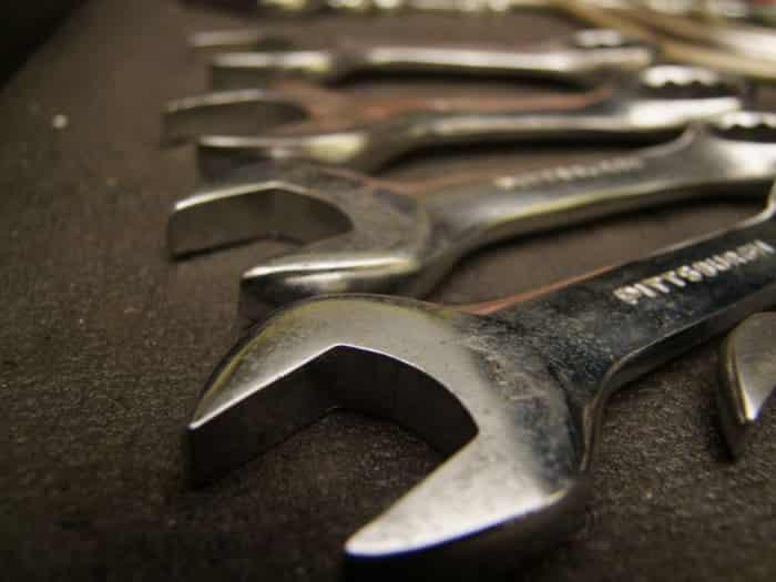 mantenimiento-y-reparaciones-basicas-del-coche