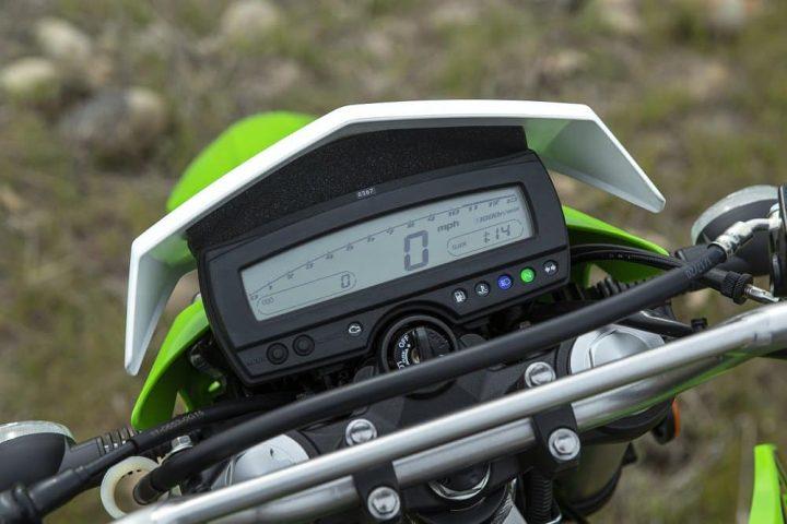pantalla digital en la Kawasaki KLX300