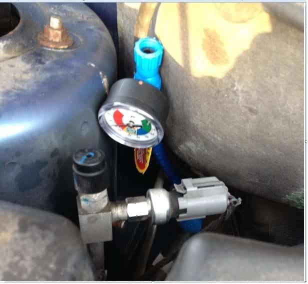 Comprobación de la presión del refrigerante