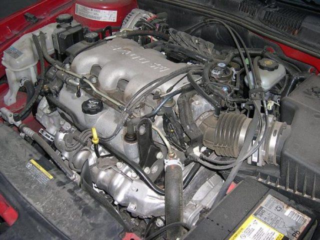 Le moteur de votre voiture a besoin de carburant, de compression et d'une étincelle pour démarrer.