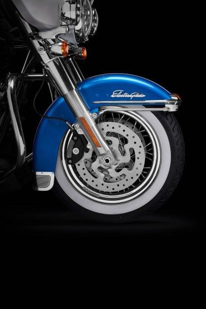 042621 2021 harley davidson electra glide revival front fender laced wheel 001 Harley-Davidson Electra Glide Revival de edición limitada lanza la colección de iconos