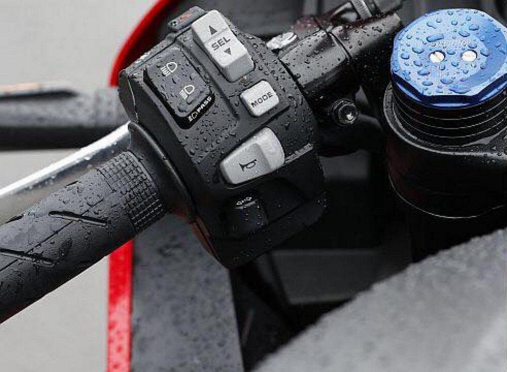 Honda CBR600RR Switchgear Honda CBR600RR lanzada, ¡HRC CBR600RR solo para pista anunciada!