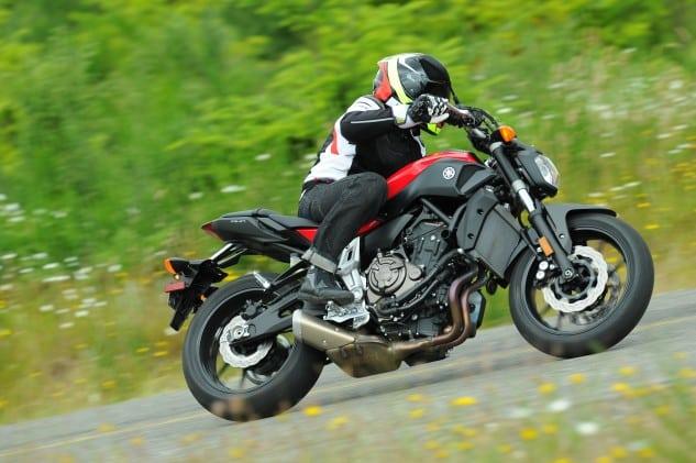 TR1 3347 Revisión de 2021 Yamaha MT-07