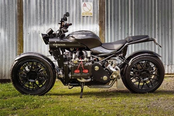 image 2 ¡Conoce a Madboxer, una motocicleta personalizada con un motor de automóvil Subaru WRX!