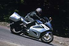 Las líneas de Futura son arte puro, dejando a la Ducati con un aspecto un poco soso y anticuado.