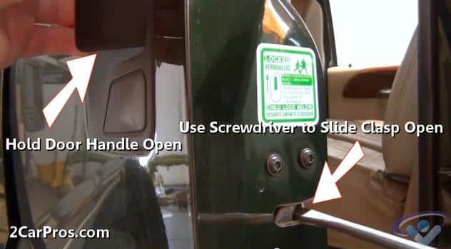 Cerradura de pestillo de puerta abierta