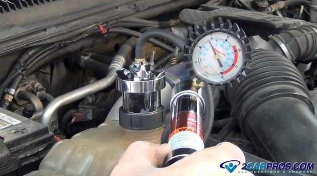 cómo probar la presión de un sistema de refrigeración del radiador del motor