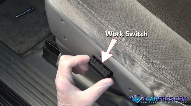 Pruebe el interruptor de posición del asiento
