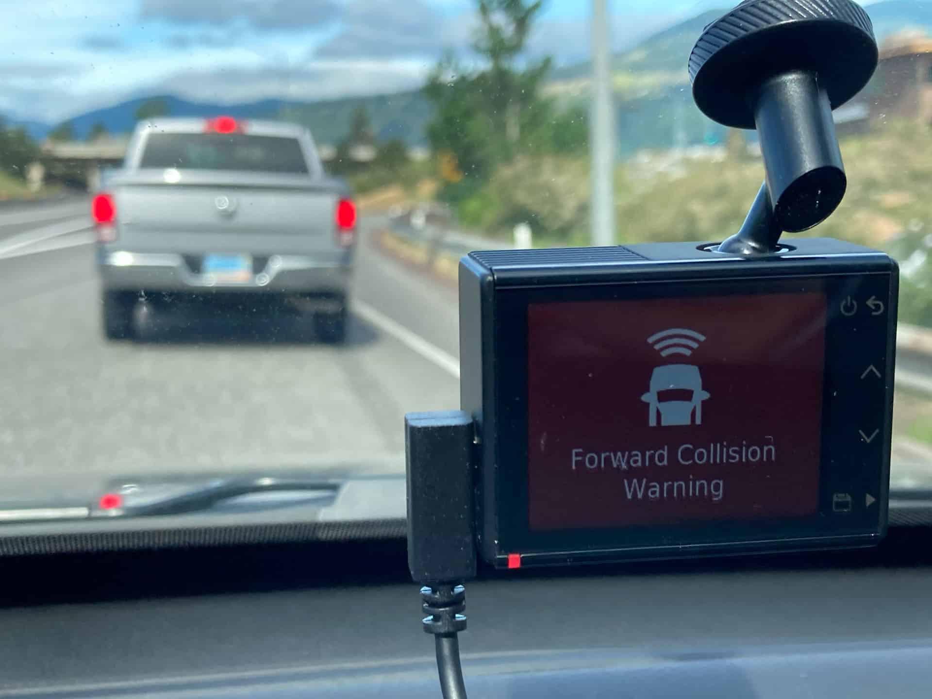 Advertencia de colisión Garmin Dash Cam 66W