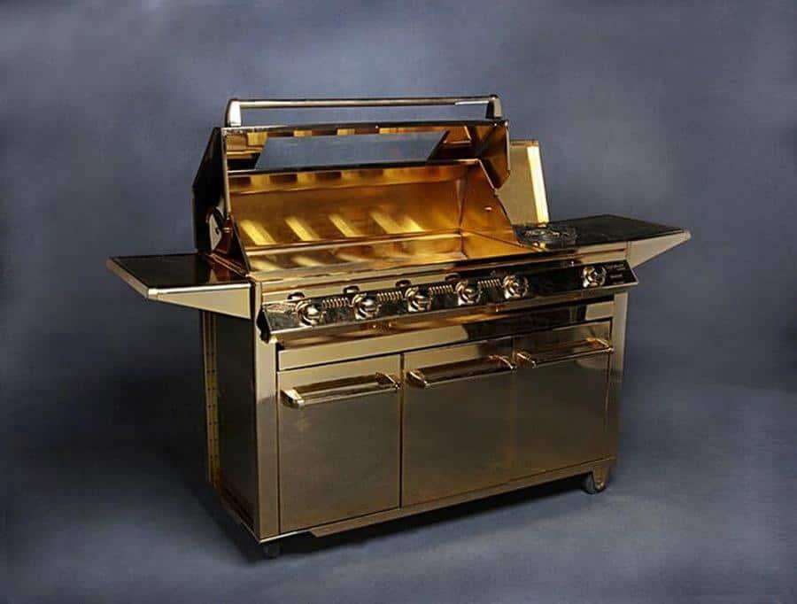 Parrilla para barbacoa Beefeater chapada en oro