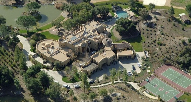 The 15 luxurious homes of rappers 00004