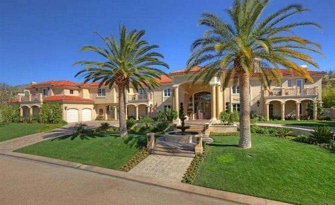 The 15 luxurious homes of rappers 00010