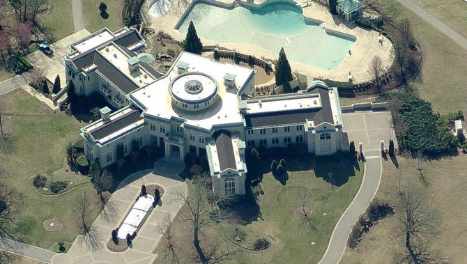 The 15 luxurious homes of rappers 00011