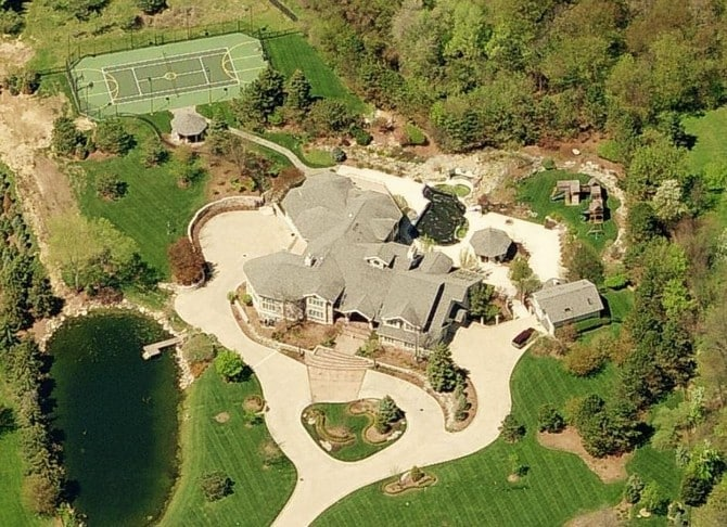 The 15 luxurious homes of rappers 00012