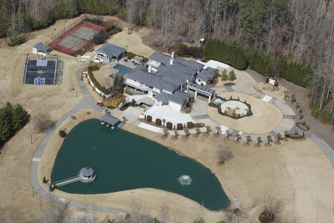 The 15 luxurious homes of rappers 00013
