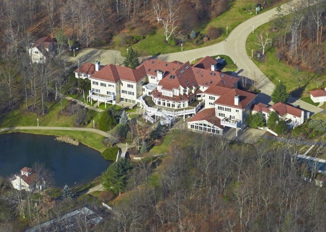 The 15 luxurious homes of rappers 00014