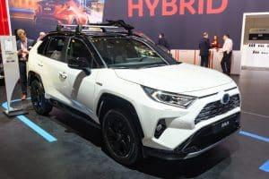 ¿Tiene la Toyota RAV4 2021 un techo corredizo panorámico?