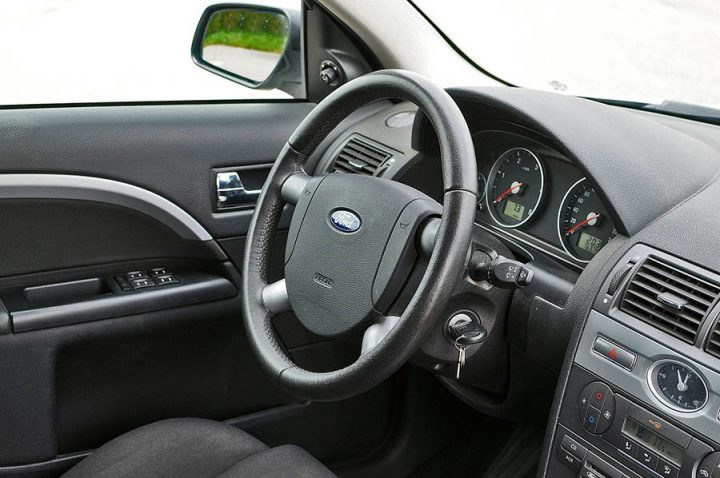 ford steering wheel scaled