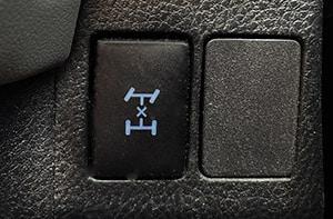 toyota rav4 awd botón de bloqueo
