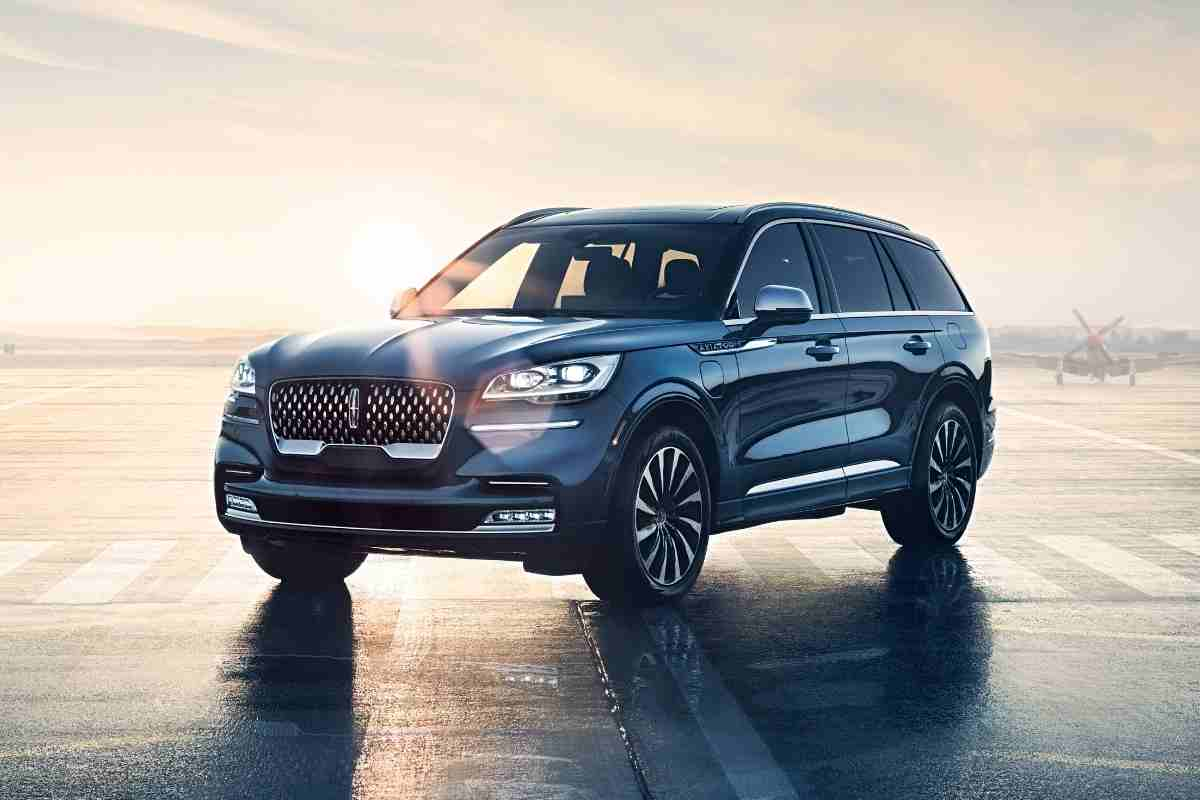 Can A Lincoln Aviator Be Flat Towed