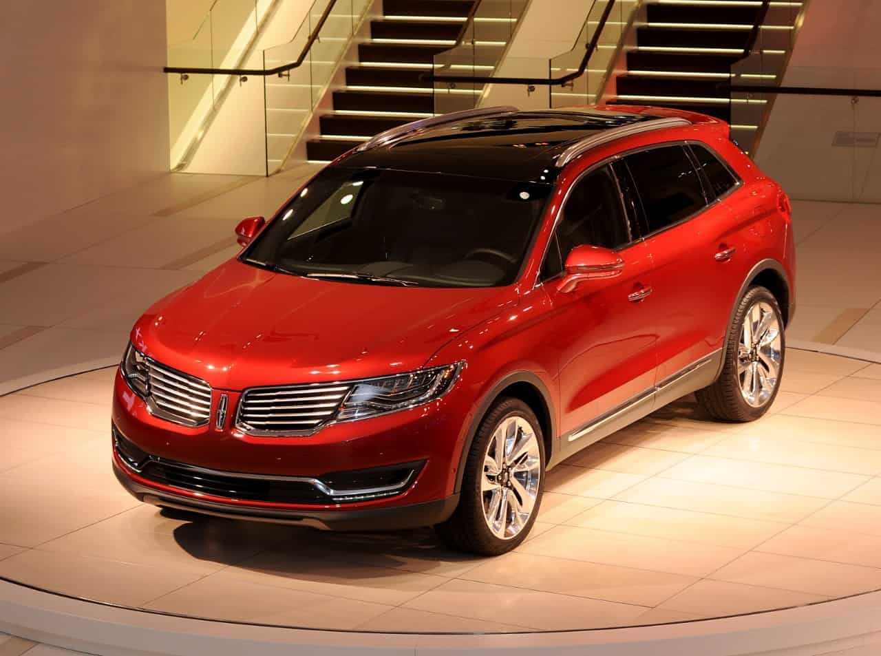 Lincoln MKX revealed at NAIAS 2015 KGT 7808
