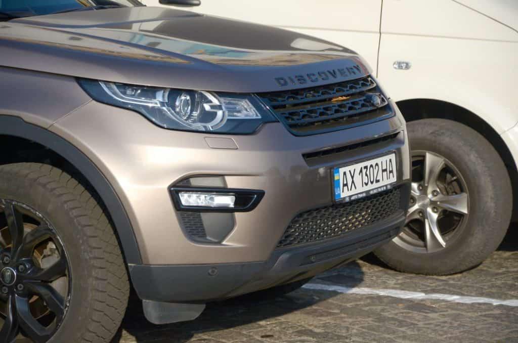¿A qué profundidad puede llegar un Land Rover Discovery en el agua?